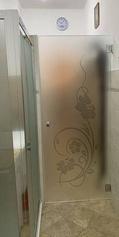 Kitchen Glass Doors, Bathroom Window Glass, Kitchen Sliding Doors, Kitchen Door Designs, Etched Glass Door, Stained Glass Door, Glass Panel Door, Room Door Design, Main Door Design