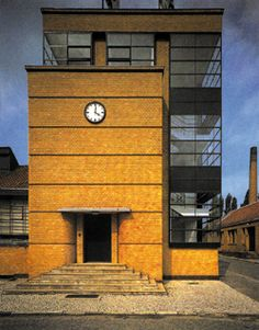fàbrica | fabrik fagus - alfeld on the leine - walter gropius + adolf meyer - 1910-13 - photo miquel gregori