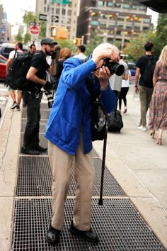 Bill Cunningham (by Krista Anna Lewis) Bill Cunningham, Uniform Dress, Vintage Classics, Man Repeller, Red Carpet Looks, Black Stripes, Style Icons, Personal Style, Vintage Outfits
