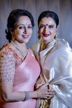 Bollywood's dream girl Hema Malini turned a year older on 16 Oct. Rekha Saree, Sabyasachi, Lehenga, Divas, Organizer Box, Aunty In Saree, Hema Malini, Indian Beauty Saree, Indian Sarees