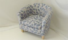 Wedgewood Blue Orchard Leaf Pattern Tub Chair - Product detail