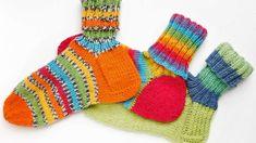 Villasukan kantapää – kolme ohjetta - Yhteishyvä Crochet Socks, Knitting Socks, Knit Crochet, Wool Socks, Boot Cuffs, Crochet Accessories, Handicraft, Fingerless Gloves, Arm Warmers