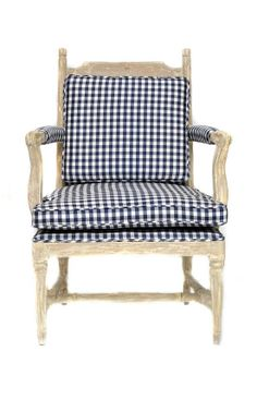 LOVE this gingham chair!