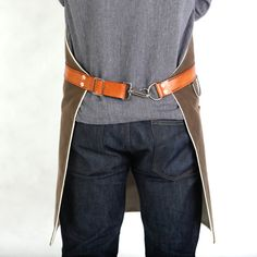 Rugged Men's Apron Waxed Canvas Dark Oak by Hardmill on Etsy Cool Aprons, Aprons For Men, Waist Apron, Apron Dress, Men's Apron, Waxed Canvas, Canvas Leather, Cotton Canvas, Jean Apron