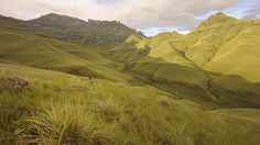 Dawn light on Drakensberg mountain peaks, South Africa Amazon Fire Tv, Amazon Echo, Great Shots, Vacation Spots, Places To Visit, Wanderlust, Country Roads, World, Nature
