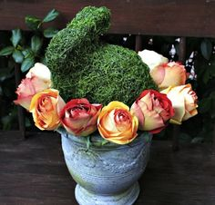 Make this perfectly spring DIY moss bunny to celebrate Easter.