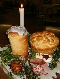 paska, babka, ham, kobassa, hrin for the basket blessing