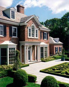 American brick Georgian. Charles Hilton Architects, Greenwich, CT.