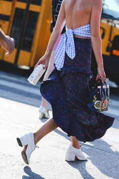 Show some back. #refinery29 http://www.refinery29.uk/2016/09/122826/nyfw-spring-2017-best-street-style-outfits#slide-118