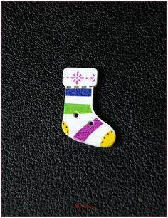 Boutons en bois chaussettes de noël modèle 15 x1 : Boutons par lilycherry