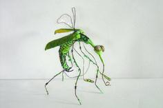 Vliegvleugels-em kriebel Jr Art, Insect Art, Punk Art, Aboriginal Art, Animal Sculptures, Wood Sculpture, Faux Taxidermy, Textile Art, Art For Kids