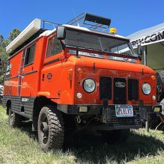 The #G4challenge #LandRoverForwardControl101 by @landroverlv is always one of my favorite vehicles at #overlandexpo. #Offroad #vanlife awesome with classic #LandRover lines & it's orange :) #lifeofadventure #lifeontheroad #lrfc101 #adventuremobile #landrover #overland #lrlv #forwardcontrol101 #4x4 #4wd #thebest4x4xfar by explorelements