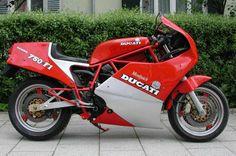 #Ducati 750 F1 Montjuich: questa è una perla per intenditori ed è in vendita su #Kijiji.