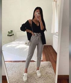 Source by teenager outfits casual 17 ideas for how to wear red skirt Cute Summer Outfits, Girly Outfits, Cute Casual Outfits, Simple Outfits, Stylish Outfits, Outfits For School, Uni Outfits, Shoes For School, School Wear