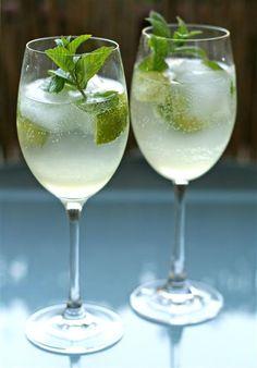 Summer drink: HUGO with homemade elderflower sirup