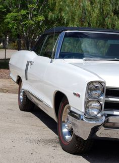 1966 Pontiac 2+2 Convertible 421-4 Speed