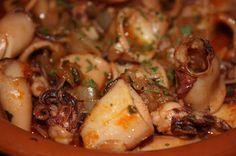 La cocina de mi abuelo: Calamares con salsa de pimentón Tapas Recipes, Fish Recipes, Seafood Recipes, Mexican Food Recipes, Ethnic Recipes, Recipies, Spanish Dishes, Spanish Food, Pescado Recipe