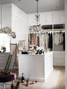 A luxurious French chandelier hangs from a pink painted ceiling over a white closet island. Dressing Room Closet, Wardrobe Closet, Closet Bedroom, Closet Space, Walk In Closet, Dressing Rooms, Glam Closet, Budget Bedroom, Master Closet