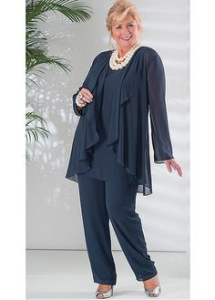 Graceful PantSuits Chiffon Jewel Neckline Full-length Mother Of The Bride Dress With Coat - Kleidung damen - Guest Mother Of The Bride Plus Size, Mother Of The Bride Suits, Dame Chic, Vetements Clothing, Chiffon Jacket, Mom Dress, Plus Size Pants, Fashion Over 50, Wedding Suits