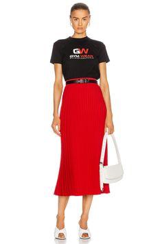 High Fashion Outfits, Red Fashion, Luxury Fashion, Womens Fashion, Dressy Dresses, Pleated Midi Skirt, Casual Chic, Balenciaga, Red Black