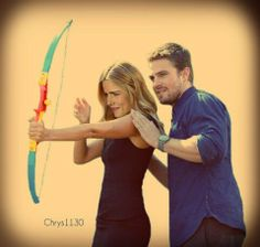 Oh come on, how can I NOT pin a photo like this.  I'd have to turn in my Olicity fan card.