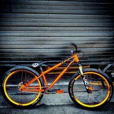 24 Bmx, Dirt Jumper, Bmx Dirt, Off Road Bikes, Bike Components, Bike Seat, Mtb Bike, Street Bikes, Bike Design