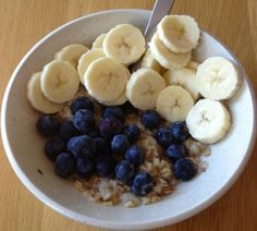 Simple Breakfast: Oats with Bananas, Blueberries, Perfect Fit Protein & Stevia | Tone It Up