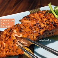 Moist and delicious Norwegian salmon cooked for just 7 minutes in the airfryer.