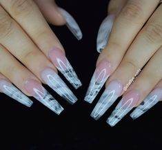 Semi-permanent varnish, false nails, patches: which manicure to choose? - My Nails Drip Nails, Aycrlic Nails, Glam Nails, Cute Nails, Pretty Nails, Perfect Nails, Gorgeous Nails, Clear Acrylic Nails, Stylish Nails