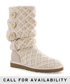 It is warm and fashion .#ugg boots #fashion #warm #fashion style #ugg boot