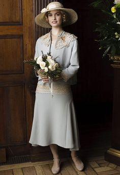 Will Lily James Return to Downton Abbey After Cinderella? dresses disney lily james Will Lily James Return to Downton Abbey After Cinderella? Downton Abbey Costumes, Downton Abbey Fashion, Vintage Outfits, Vintage Fashion, Wedding Movies, Gentlemans Club, Look Retro, Gown Photos, Art Deco Fashion