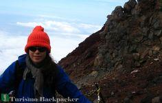 Trilha de rochas vulcânicas