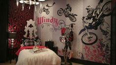 Dirt Bike Bedroom Decor Awesome Motor Cycle Bedroom I Like the Paintwork On the Wall Dirt Bike Bedroom, Motocross Bedroom, Bike Room, Extreme Makeover Home Edition, Woman Bedroom, Girls Bedroom, Bedroom Themes, Bedroom Decor, Bedroom Ideas