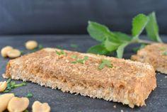 Schnelles Rezept für den weltbesten Brotaufstrich - vegetarisch. Schneller vegetarischer Brotaufstrich auch für Thermomix mit Erdnüssen und Leinsamen.