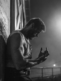 Dean Bradshaw is an advertising photographer and director based in Los Angeles. Marvel Wolverine, Logan Wolverine, Marvel Comics, Wolverine Movie, Hugh Jackman, Hugh Michael Jackman, X23 Logan, Marvel Wallpaper, Marvel Characters