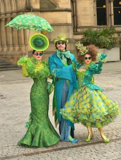 Awesome Halloween Costume Ideas For An Unforgettable Appearance. Here are a few original Halloween costume ideas for men, women, …who plan for a creepy-and glamorous appearance! Costume Halloween, Homemade Halloween Costumes, Disney Halloween, Halloween Diy, Wicked Costumes, Theatre Costumes, Cool Costumes, Costume Ideas, Wizard Costume