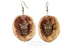 Earrings made from nutshells (with brass owls) Owls, Handmade Jewelry, Pendants, Brass, Drop Earrings, Christmas Ornaments, Holiday Decor, Handmade Jewellery, Hang Tags