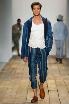 Catwalk photos and all the looks from Greg Lauren Spring/Summer 2016 Menswear New York Fashion Week Mens Fashion Week, Mens Fashion Suits, Fashion Moda, Urban Fashion, Fashion Show, Fashion Design, Fashion Fashion, Elegant Casual Men, Men Casual