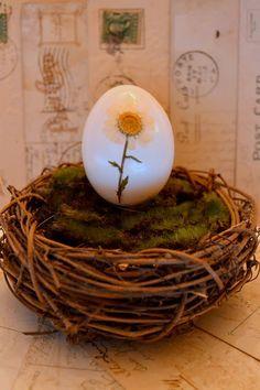 *Jennuine by Rook No. 17*: Easy Pressed Flower Easter Egg Tutorial