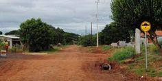 Prefeitura implanta lombada e placas de sinalização em Jaracatiá