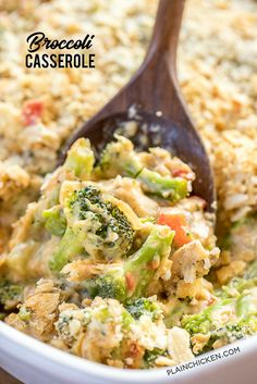 Broccoli Casserole - NO cream of anything soup! Loaded with broccoli, onion, red bell pepper and mushrooms. Top with cheddar AND parmesan cheese! Chicken Brocolli Casserole, Vegetable Casserole, Healthy Broccoli Casserole, Galletas Ritz, Parmesan Broccoli, Queso Cheddar, Cheddar Cheese, Vegetable Side Dishes, Casserole Recipes