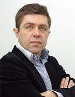 Andrzej Wakarow – lekarz medycyny, specjalista psychiatra. Oprócz pracy na stanowisku asystenta w  Katedrze i Klinice Psychiatrycznej AM w Warszawie prowadzi konsultacje psychiatryczne, również po rosyjsku i ukraińsku. Więcej informacji na stronie internetowej: http://psychiatrzy.pl/.