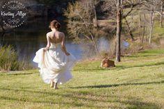 Arkansas Outdoor Bridal Portraits - Kourtney Allyse Photography - www.kourtneyallysephoto.com