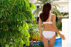 Culotte modèle Carla de la collection classique de la marque de lingerie Gorteks. Disponible en 7 tailles du 36 au 48 et 2 couleurs blanc ou noir. #lingerie #culotte #gorteks #panty #panties #fashion #vivelalingerie