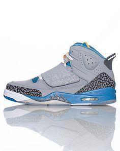 JORDAN Son of Mars High top men's sneaker Lace lock with single velcro strap Textured panel design. Jordans Girls, Velcro Straps, Cute Shoes, Mars, Men's Fashion, Footwear, Sneakers Nike, My Style, Grey
