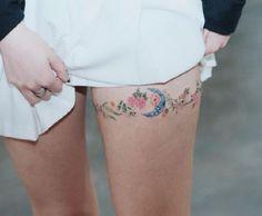 thigh-tattoo-idea-09-Sol Art