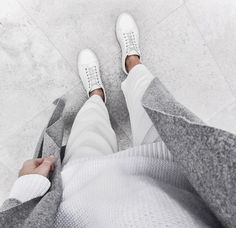 White and grey = Minimal