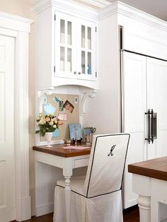 whether you want to put the home office in kitchen or just set up a small desk area find inspiration from these hardworking workstations hutch workstation ideas Kitchen Desk Areas, Kitchen Desks, Kitchen Redo, New Kitchen, Kitchen Office Nook, Kitchen Corner, Kitchen Small, Kitchen Cabinets, Petite Kitchen
