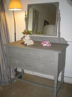Dressing Tables - French Gray