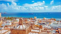 Discover what to see and do in Las Palmas, Gran Canaria with our expert cruise port guide to the Canary Islands only true city. Beach Honeymoon Destinations, Honeymoon Packages, Romantic Honeymoon, Honeymoon Ideas, Dream Vacations, Tenerife, New York Attractions, Inclusive Holidays, Beaux Villages